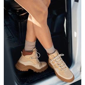 Ubrugte chunky boots fra &other stories . De passer en 39 - Nyprisen var 1150kr