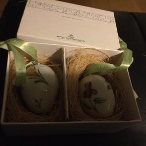 Royal æg i dobbeltæske =2 stk æg sælges kun samlet et samler objekt -med original  æske, rede og bånd  2009 KROKUS/STEDMODERBLOMST  (1149 476) Sender + Porto