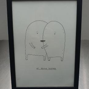 Fin, original tegning i sort træramme af den danske kunstner My Buemann.  Perfekt til barnet, bedsteveninden eller kæresten. :)   Er i meget god stand. Rammen har dog fået en enkelt ridse nederst (se detaljebillede). Måler 23 cm. i højden og 32 cm i bredden.