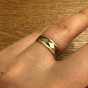Vintage ring white and rose gold, the inner white ring is spinning