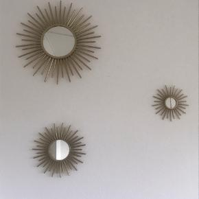 Super fine spejle i forskellige størrelsee fra H&M Home. Har ingen tegn på slid og er som nye.  Nypris for alle 3 samlet er 727kr.