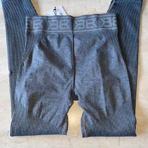 Rib seamless tights fra better bodies, nye med tags.  Har al alt for meget træningstøj, så sælger ud af klædeskabet 😊  Nypris 500,-