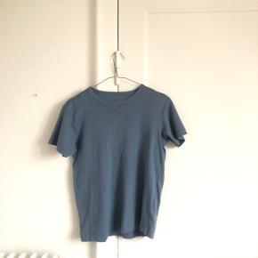 Tshirt fra muji i str small. Brugt et par gange fin stand. Giver mængderabat🌿