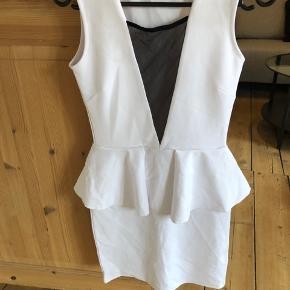Hvid Sisters Point fest kjole