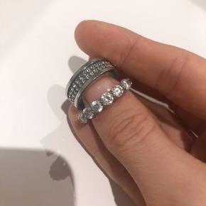 De er brugt få gange, så er i fin stand! De har kostet omkring 600kr pr ring, men sælges billigt.
