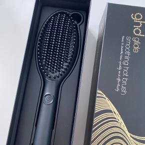 Ghd glide Professional Hot Brush. Aldrig brugt. Bytter ikke :)