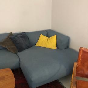 Ingen skader og i god stand. 3 år gammel. Sofaen får en rens inden køber overtager.