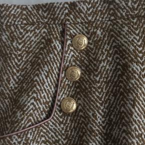 Kb denne nederdel og skjorten fra Baum for 475 inkl