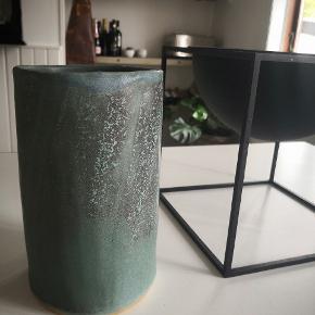 Hjemmelavet keramik i flotte grønne nuancer... Uperfekt... perfekt. Pp