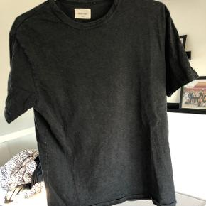 Wood Wood t-shirt, størrelse medium men fitter small Nypris 400 Faded look Sælges for 150