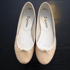 8d125c06d03 Varetype: Smukke kvalitets ballerinas Størrelse: 37/5. (36) Farve: Repetto  Flats