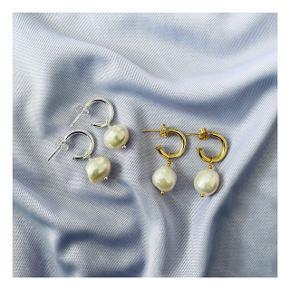 Håndlavede øreringe med ægte ferksvandsperler. Begge slags fås i ægte forgyldt/sterling sølv 🌸  Instagram: @byamalielarsen