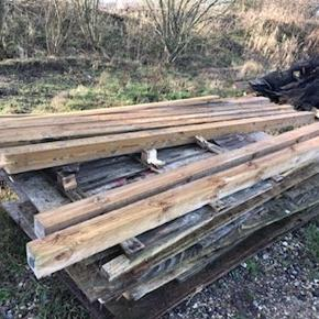 4*4 ( 10*10 cm) trykimprægneret stolper på 320 cm sælges for 70 kr stk har over 100