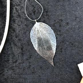 Forskellige halskæder Flere aldrig brugt eller kun brugt enkelte gange  40 kr pr. Stk  3 for 100 kr.