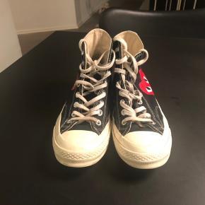 Super fede sneakers fra Converse/ Comme des Garcons Play - fejler ingenting og har ingen synlig slitage