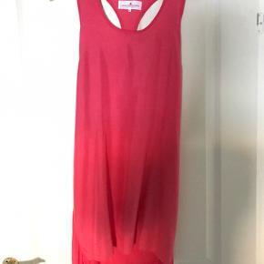 Smart Designers Remix kjole  Silke-lignende stof i fronten  Lille i størrelse