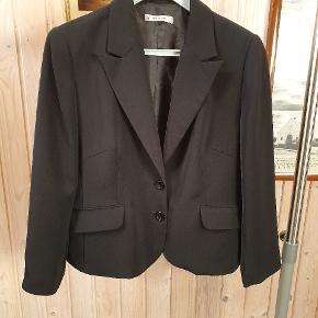 Fin sort jakke 👍😍