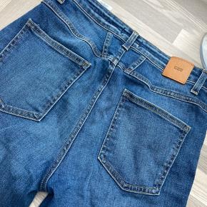 Str. 27, Closed Official Jeans. Ej brugt mere end én gang meget kort tid.  Baker High, stretch, super skinny. Kvittering og mærke haves.