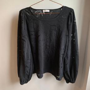 Fin bluse, brugt men i god stand.   #30dayssellout