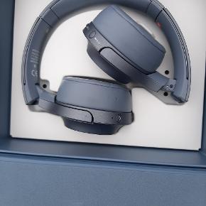 Sony høretelefoner aldrig brugt. Kun åbnet og kigget på. Lyden virker ingen problemer