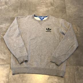 Adidas - Grå Crew - Str. M - 149kr