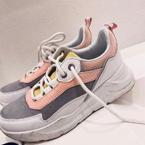 Utopia Clothing sneakers