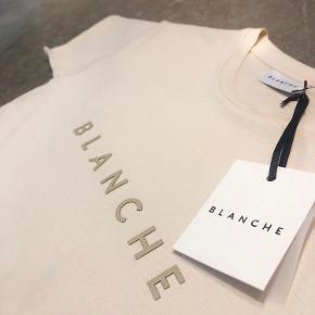 Blanche 'Main Deco' t-shirt i farven 'Shell' - Brugt få gange  Ikke min på billedet