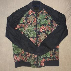 - SAME DAY SHIPPING -  Brand new jacket from Zara, used once and doesn't fit me right. Therefore I'm selling it for a much discounted price. First one to offer 150.- gets it.   Perfect condition, no flaws.