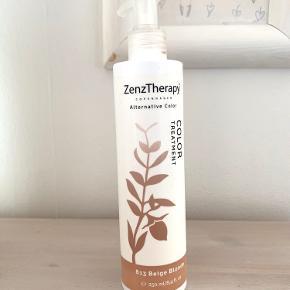 Zenztherapy farvebevarende shampoo til lysblond hår.   Genopfrisker hårets farve, ligegyldigt om det er hårets naturlige farve, eller om det er blevet farvet