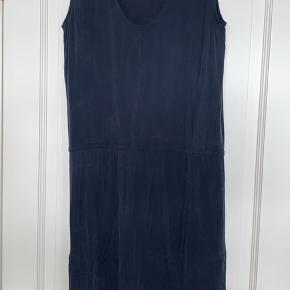 Smuk Samsøe Samsøe kjole med dyb ryg   Str s  Kom endelig med et bud