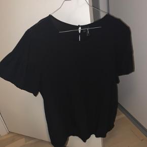 Super fin sort t shirt i skjorte stof. Som ny