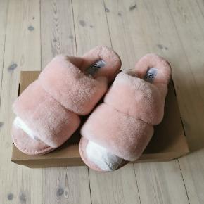 Super lækre slippers i lammeskind i str. 38 fra Natures Collection. Nypris 700,-