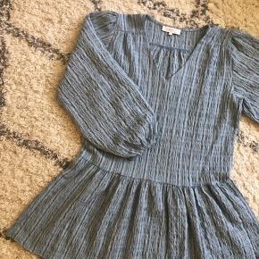 Fineste luftige Boii kjole. Str s men oversize så vil passe de fleste