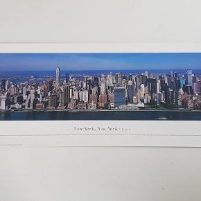Plakat fra New York  Måler 34 x 101  Jeg sælger ud af min families store samling af plakater, der er samlet over mange år  Alle plakater er kun til afhentning på Teglholmen