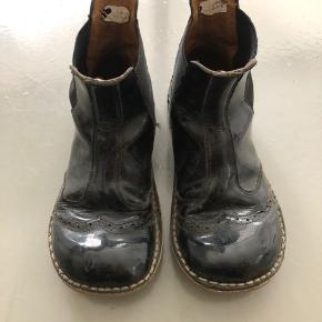 Sorte Chelsea lak støvler i str. 30