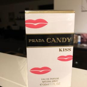 Prada candy kiss 30ml edp. Ny og stadig i folie. Prisen er fast