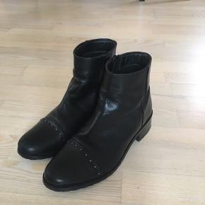 Copenhagen Shoes, nypris 700kr