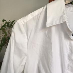 God basic hvis skjorte fra HM 🌸