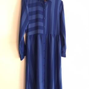 Smuk kobolt blå kjole, brugt få gange 😊