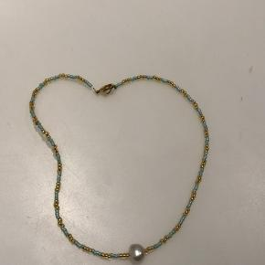 Ferskvandsperle halskæde. Mint grøn og guld Pris: 55DKK + fragt