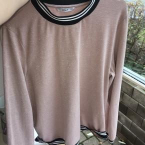 Super fin bluse fra ONLY i str XL/42