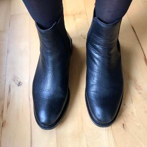 Chelsea støvler, brugt 2 gange. Lækker kraftig støvle