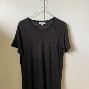 Iro clay t-shirt i sort str. S.   T-shirten er i fin stand.