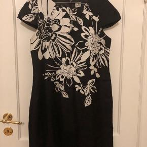 Oasis kjole