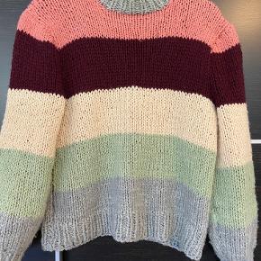 UNIKA sweater