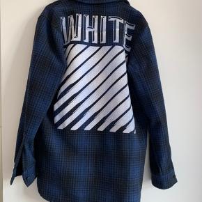 Off White oversized jakke/skjorte.  Kun prøvet på, da den ikke er mig