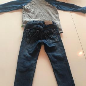 Drengetøj: str. 104. Molo buks som ny, brugt få gange til 1 barn. Bluse str. 104 GMB