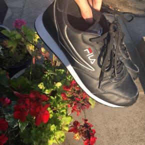 Fila sko Str 41 Køber betaler fragt