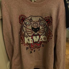 Super fin kenzo sweatshirt str L  Fejler intet  Bruger blot mine andre mere  Ægte