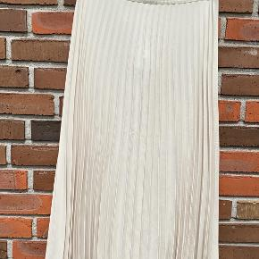Arket nederdel